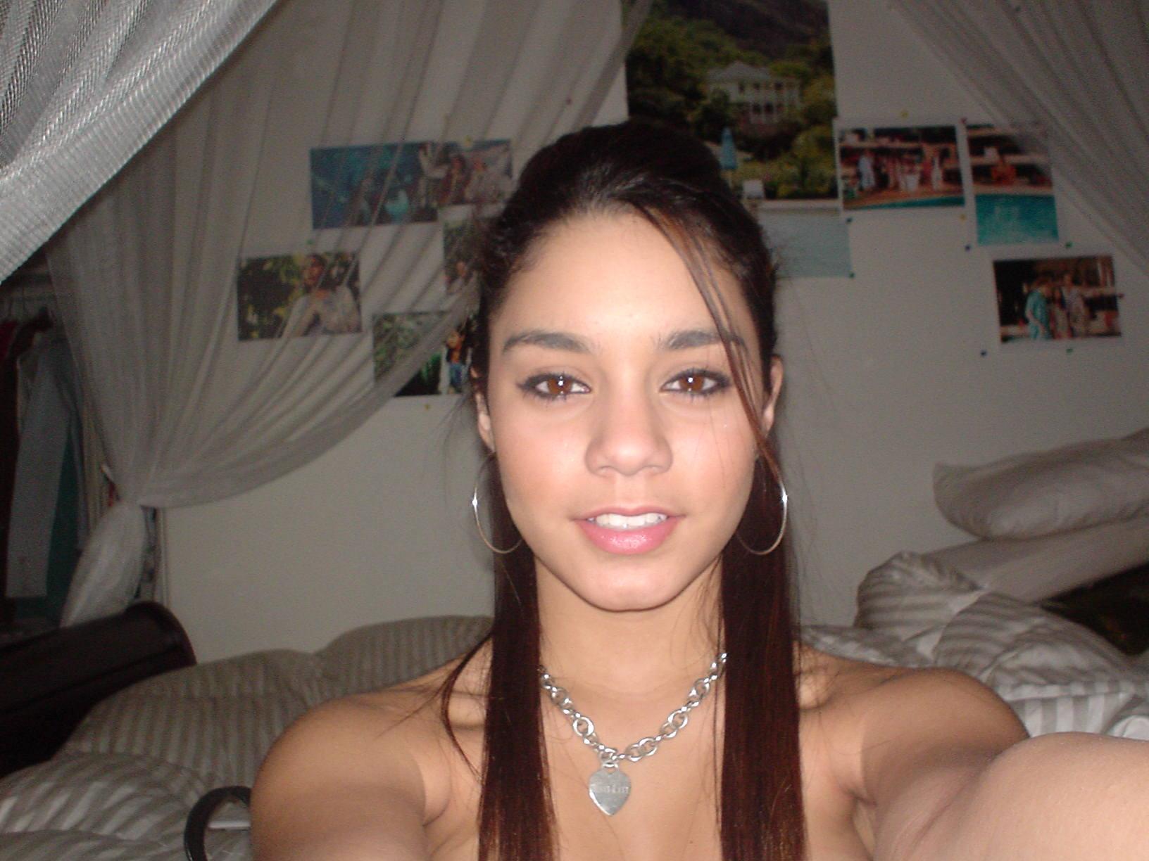 pics of vanessa hudgens naked  659746